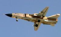 A_Sukhoi_Su-24MK_of_IRIAF_flighting_over_Shiraz